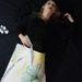 Jeune fille enrobé d'une planche de dessin composition végétale